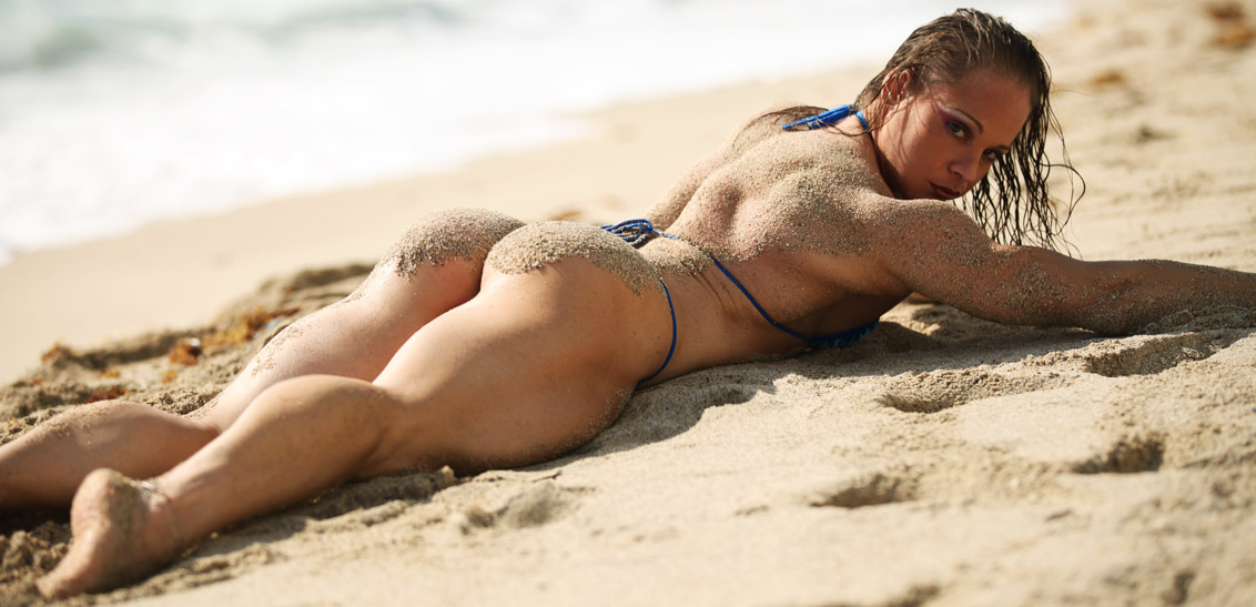 BeachThongBooty-Monica-Mowi-mowifit-IMG_5506