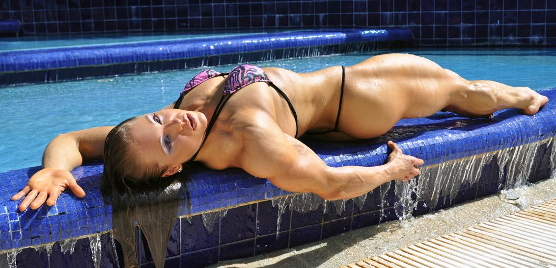 Pool-Flamingo-Fountain-Monica-Mowi-mowifit-DSC_0305